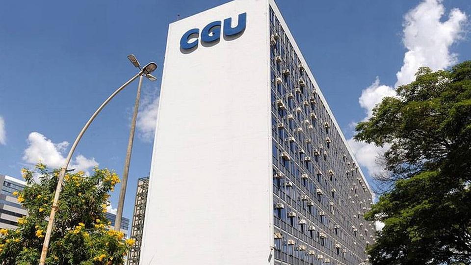 299 mil servidores receberam o auxílio emergencial, prédio da CGU