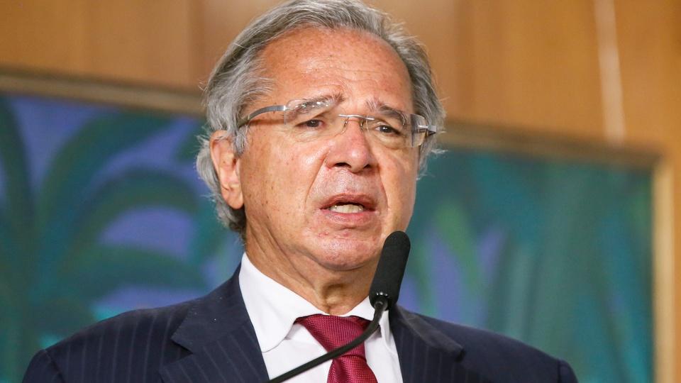 BIP: Guedes anuncia programa para trabalhadores informais; Paulo Guedes discursando