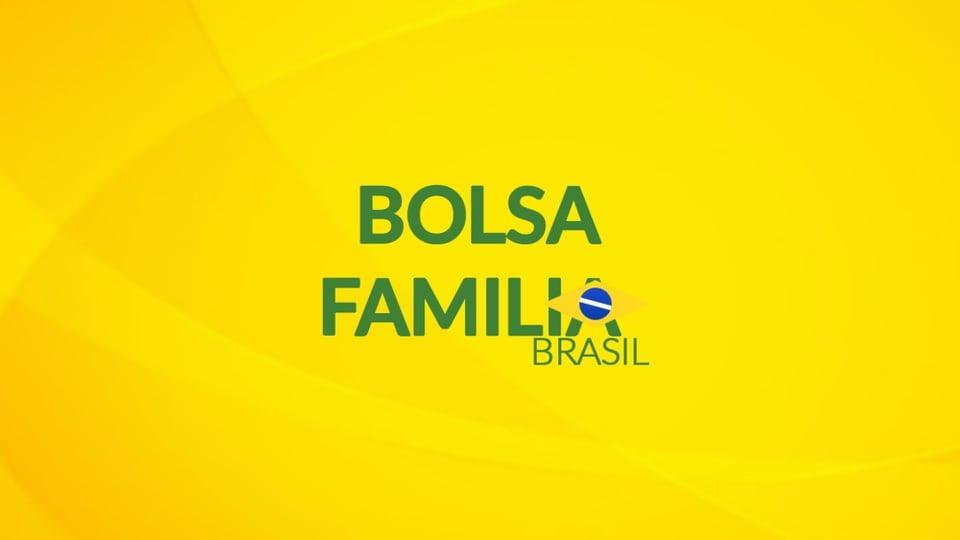Novo Bolsa Família em 2021: logo do Bolsa Família em fundo amarelado