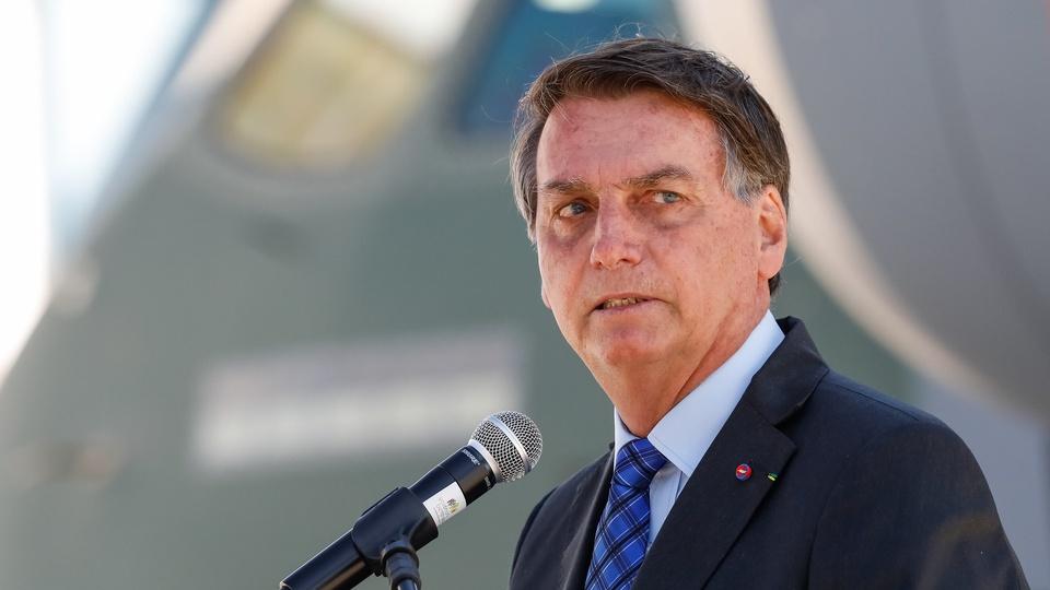 Bolsonaro deve decidir sobre nova prorrogação do auxílio emergencial, Bolsonaro fazendo discurso