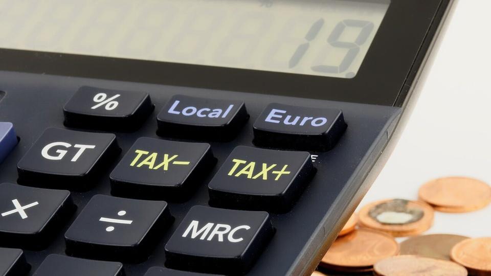 Câmara de Campo Alegre - SC: calculadora digital e moedas