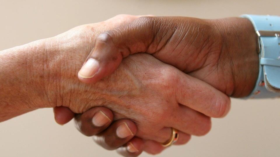 Chamada pública Prefeitura de Ituporanga - SC: aperto de mãos
