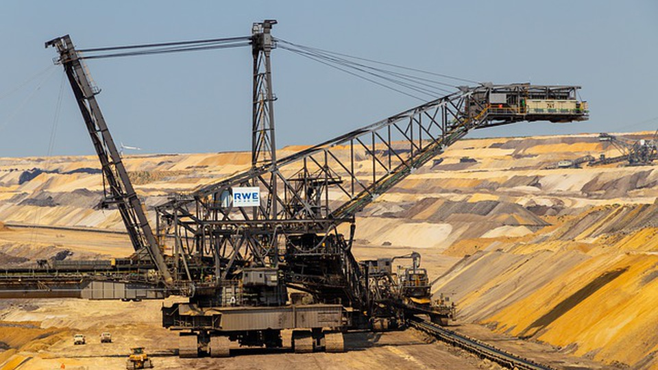 Concurso ANM: imagem de uma mineração a céu aberto