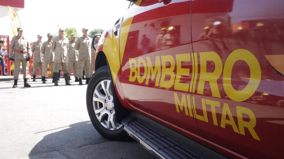 Concurso Bombeiros: mais de 600 vagas abertas no país, viatura dos Bombeiros