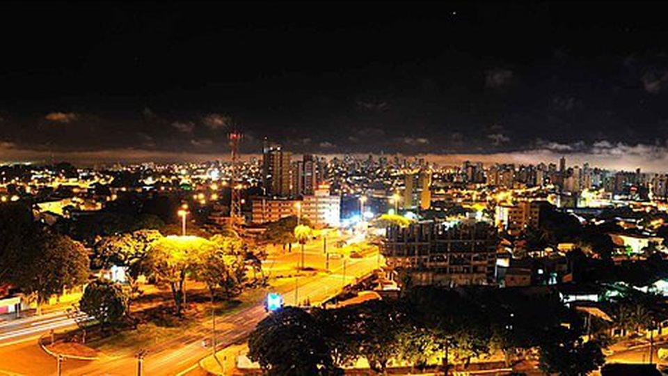 Concurso Guarda Civil de Campo Grande - MS: a foto mostra a cidade de Campo Grande, Mato Grosso do Sul, à noite