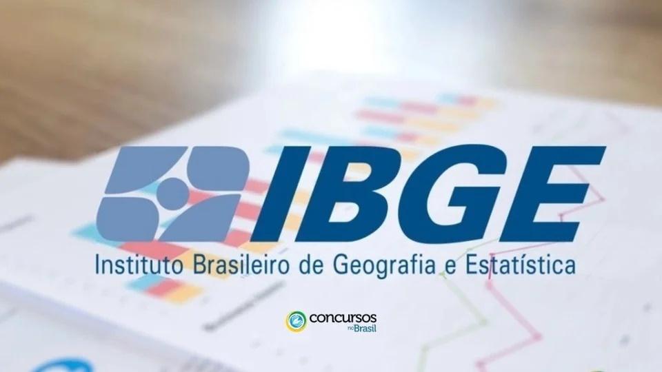 Concurso IBGE para Censo Demográfico em 2021: logo do IBGE em fundo desfocado