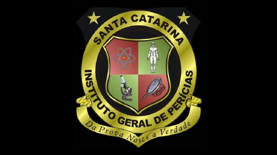 concurso igp sc: a imagem mostra brasão do Instituto Geral de Perícias de Santa Catarina em fundo preto