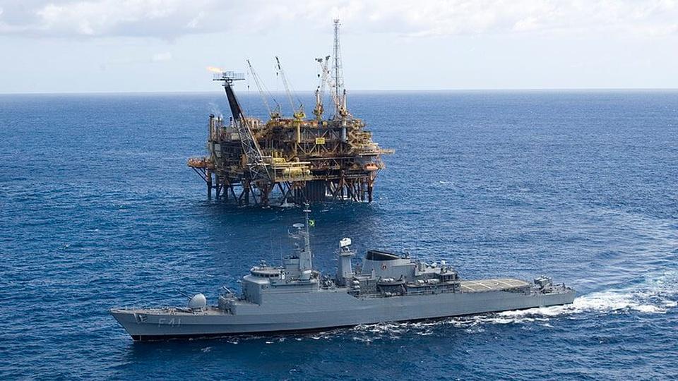 Concurso Marinha CPAEAM: a foto mostra embarcação da Marinha no mar, Arquivo liberado pela Marinha do Brasil através de projeto GLAM com Wiki Educação Brasil