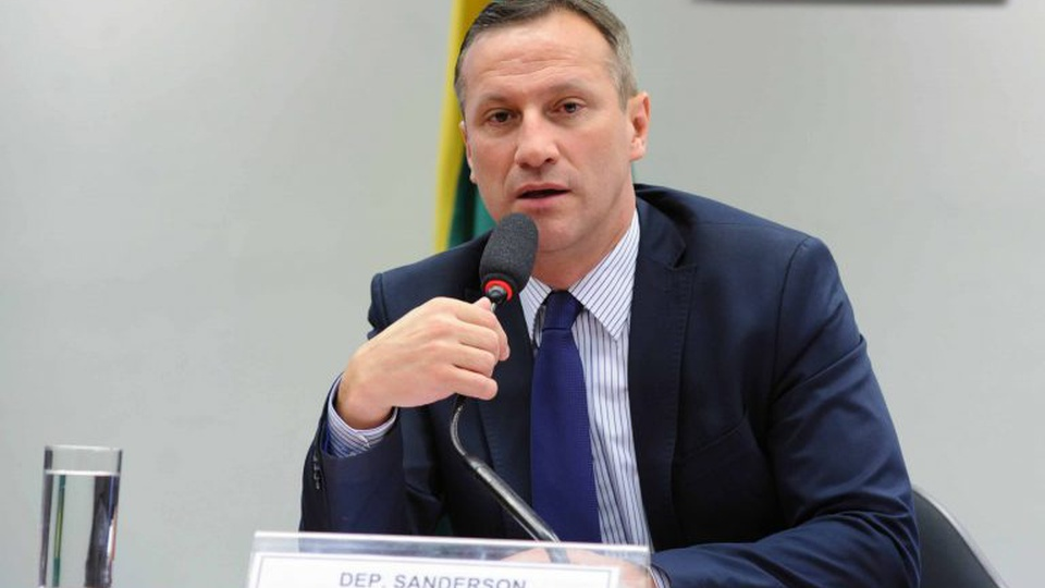 Concurso PF: vice-líder do governo defende estabilidade aos servidores, deputado Sanderson