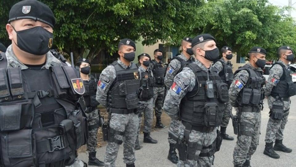 Concurso PM AL: imagens de Policiais Militares de Alagoas utilizando máscara