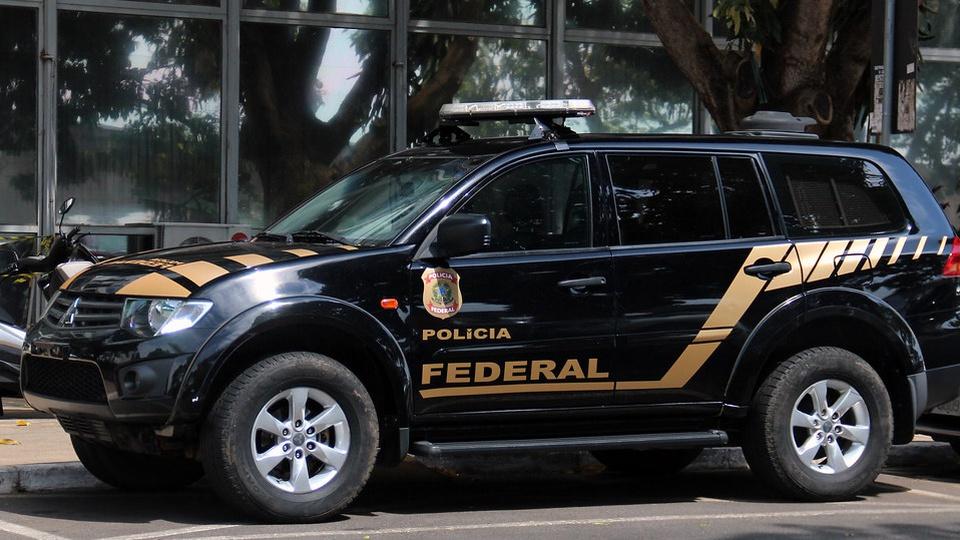 concurso polícia federal: a imagem mostra viatura da PF