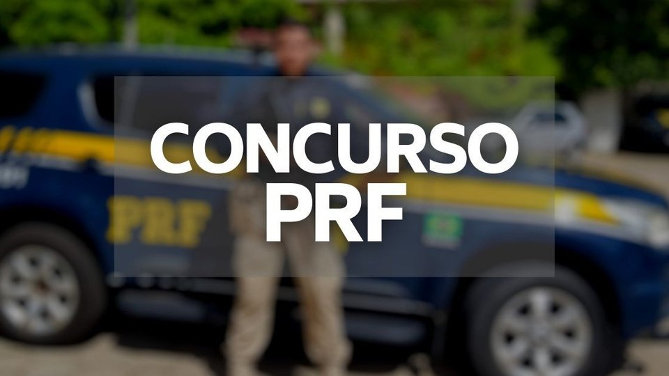 """Cronograma do concurso PRF: texto """"concurso PRF"""" por cima de imagem desfocada"""