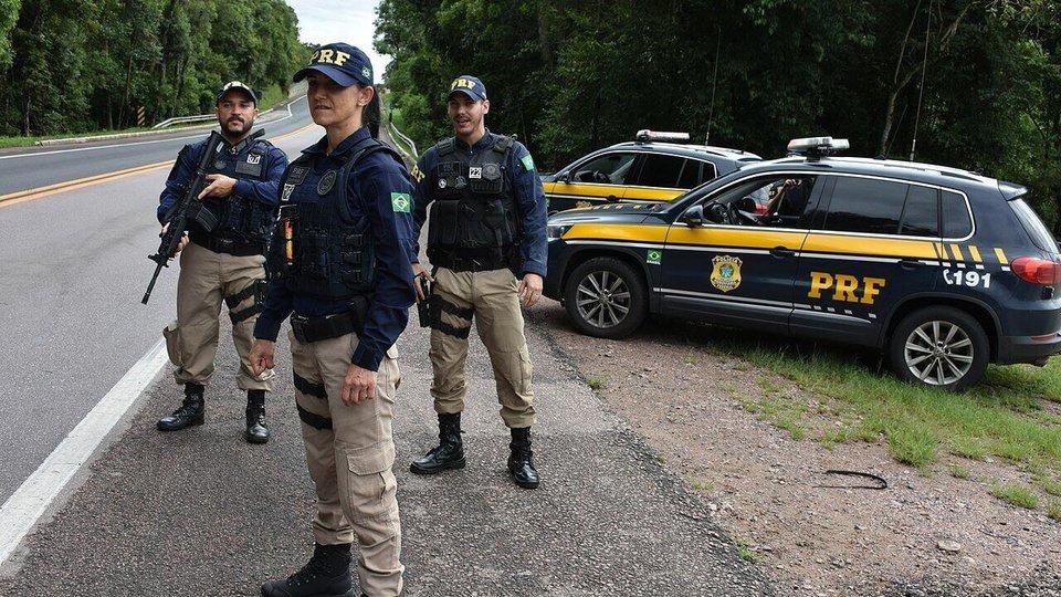 Concurso PRF: Curso de Formação Policial terá 20 semanas, agentes e viatura da PRF