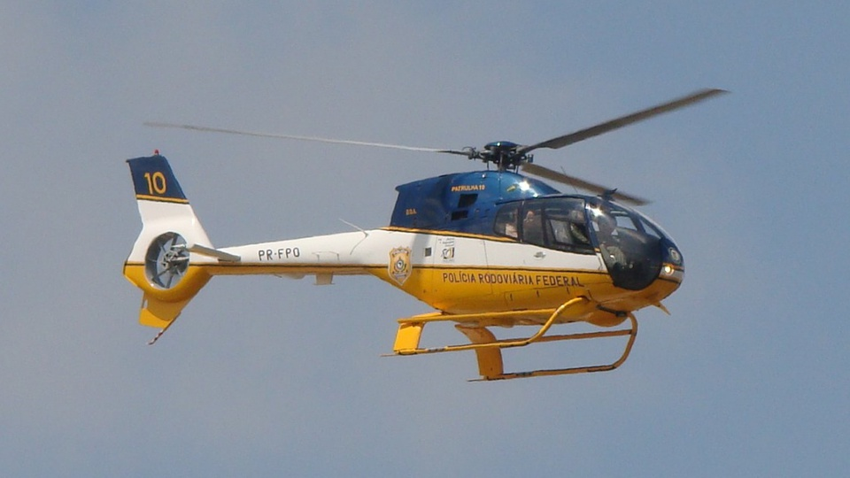 Concurso PRF no menor prazo possível: helicóptero da PRF sobrevoando