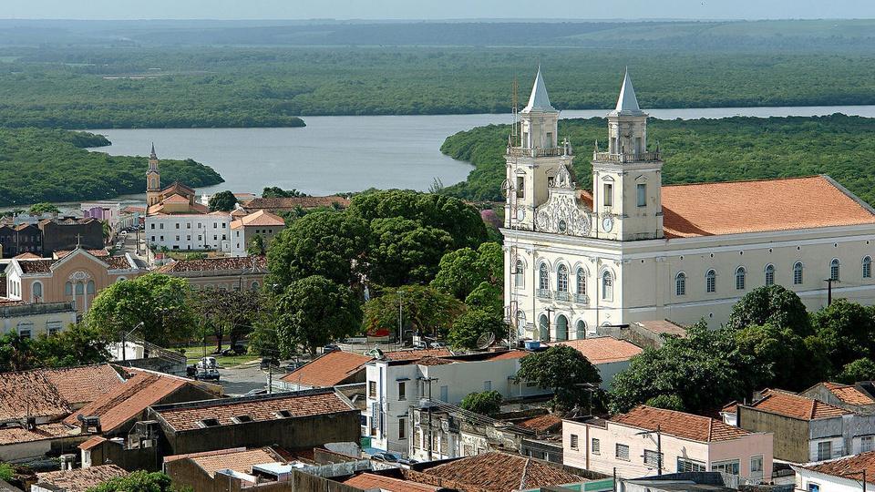 concursos da Prefeitura de João Pessoa: a imagem é uma fotografia aérea de uma catedral no centro histórico de joão pessoa