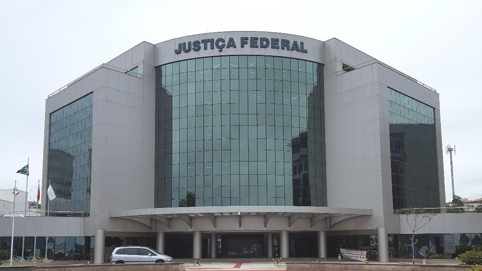 Mil vagas previstas em 2021 para concursos TRFs: prédio da Justiça Federal de Santa Catarina, em Florianópolis