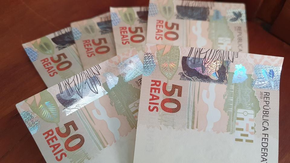 Diretor da IFI diz que os R$ 600 não podem se tornar renda permanente, cédulas de reais