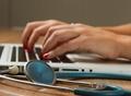 Empresa de telemedicina abre mais de MIL VAGAS na área da saúde
