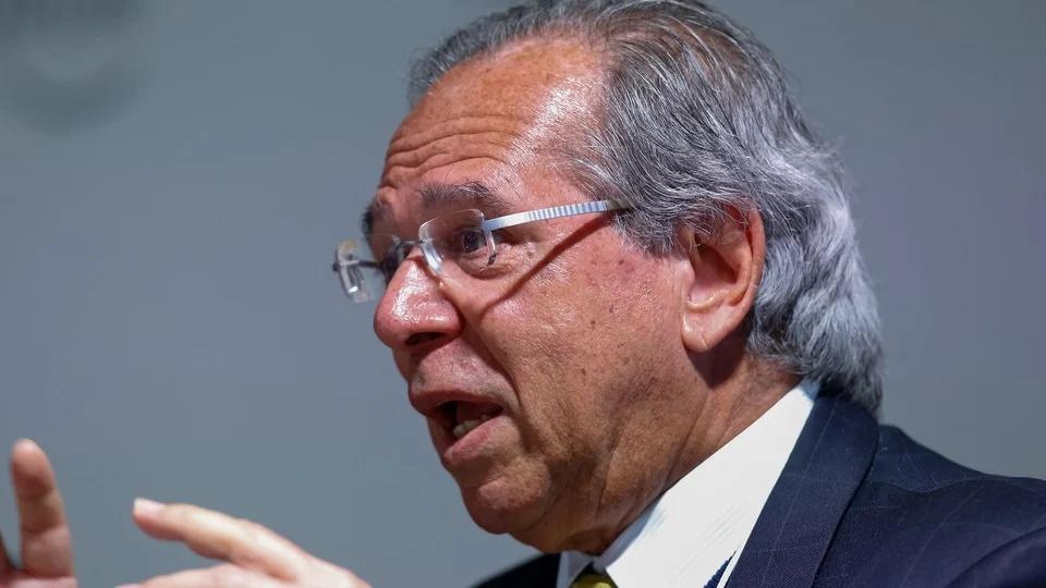 Privatização de estatal: enquadramento em Paulo Guedes conversando