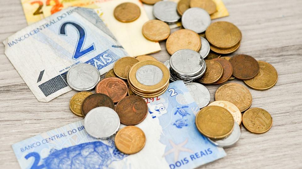 Fim do auxílio emergencial: 38 milhões ficarão sem assistência, moedas e cédulas de reais