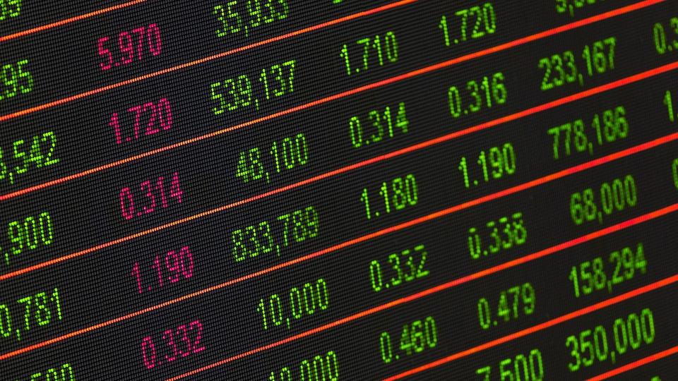 Gestores acreditam que economia só será recuperada em 2022, painel da bolsa de valores