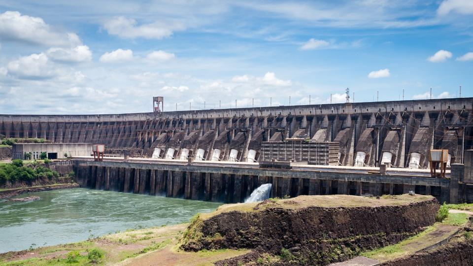 Criar nova estatal para privatizar a Eletrobras: panorama da usina binacional de Itaipu
