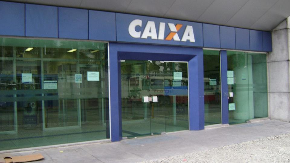 Funcionários da Caixa ameaçam entrar em greve, agência da Caixa