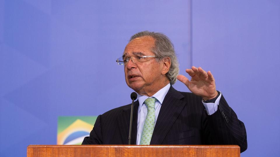 Guedes: aumento do salário mínimo acima da inflação geraria demissões, Paulo Guedes durante discurso