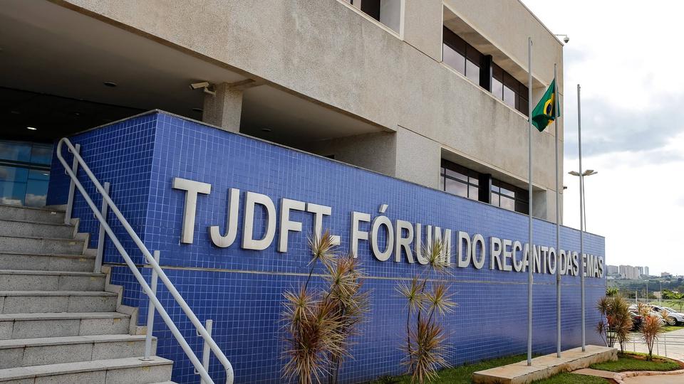 Isenção em concursos DF: fachada do Tribunal de Justiça do Distrito Federal e Territórios