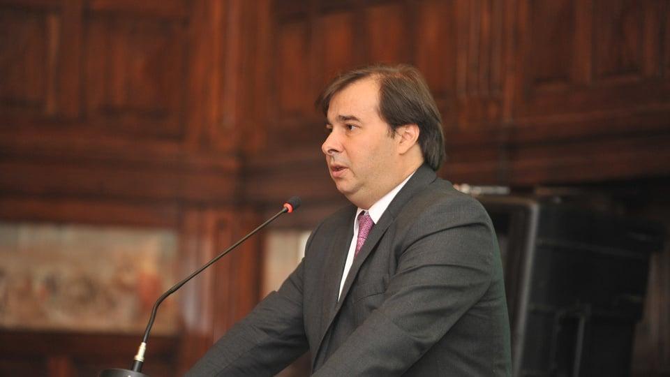 Maia quer retomar conversas de reforma tributária na terça-feira, Rodrigo Maia