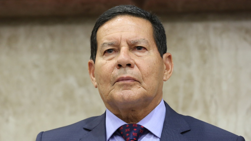 Militares inativos podem ser contratados para atuarem na Amazônia: destaque para o rosto de Hamilton Mourão, vice-presidente do Brasil
