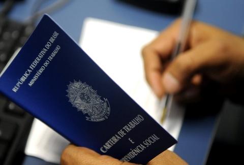 MP do trabalho permite cortar parte do salário ou suspender contrato - Foto: Tony Winston/Agência Brasília