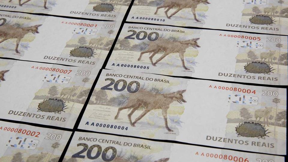 Nota de R$ 200 terá carreira curta: notas de 200 sendo confeccionadas