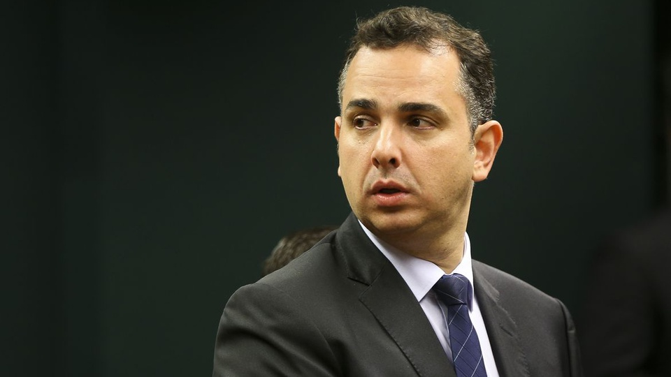 Novo programa de renda em 2021: enquadramento em Rodrigo Pacheco