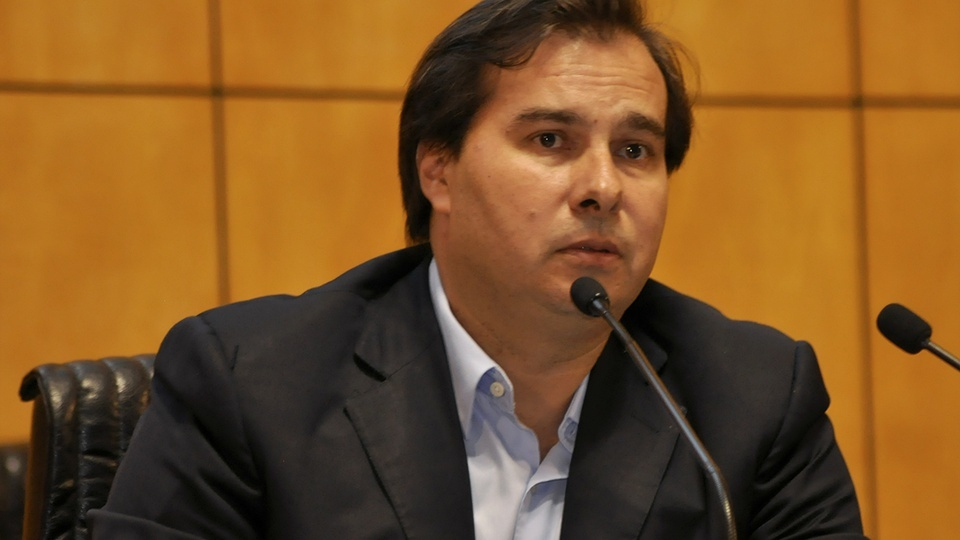 salários de servidores devem ser congelados por dois anos, Rodrigo Maia