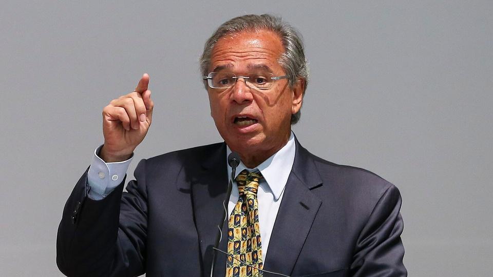 Paulo Guedes discute a extensão do auxílio emergencial por mais um mês: ministro da economia falando