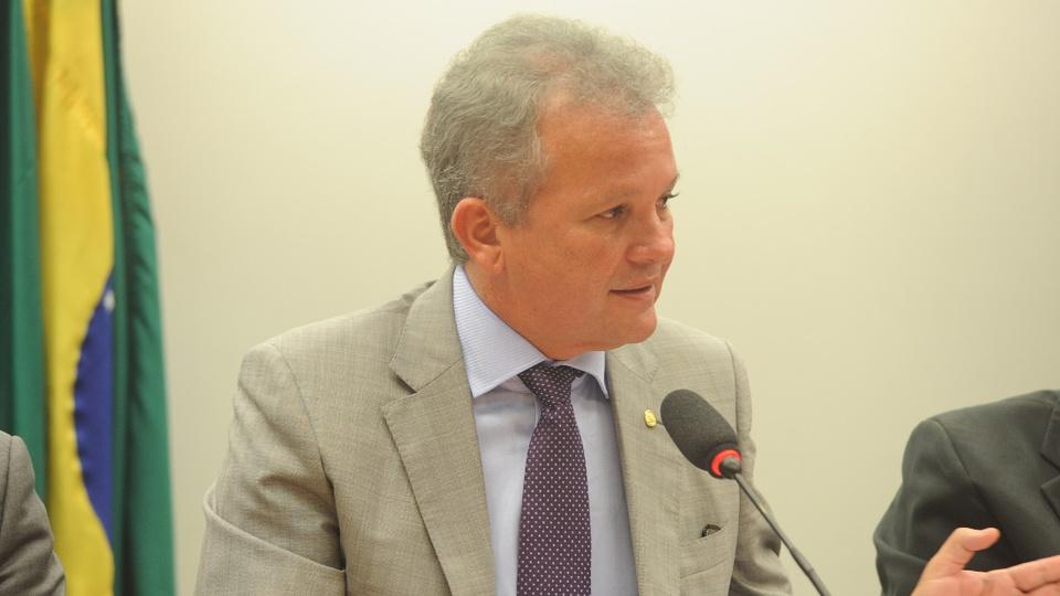 PL quer impedir a privatização dos Correios: deputado André Figueiredo em pronunciamento