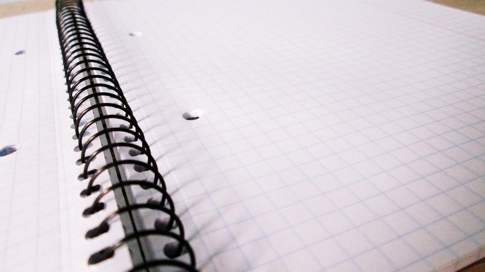Prefeitura de Mongaguá: a imagem mostra caderno aberto