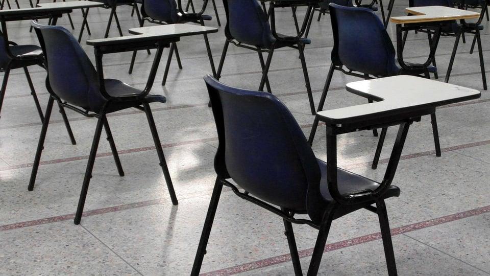 Processo seletivo Prefeitura de Otacílio Costa - SC; sala de aula
