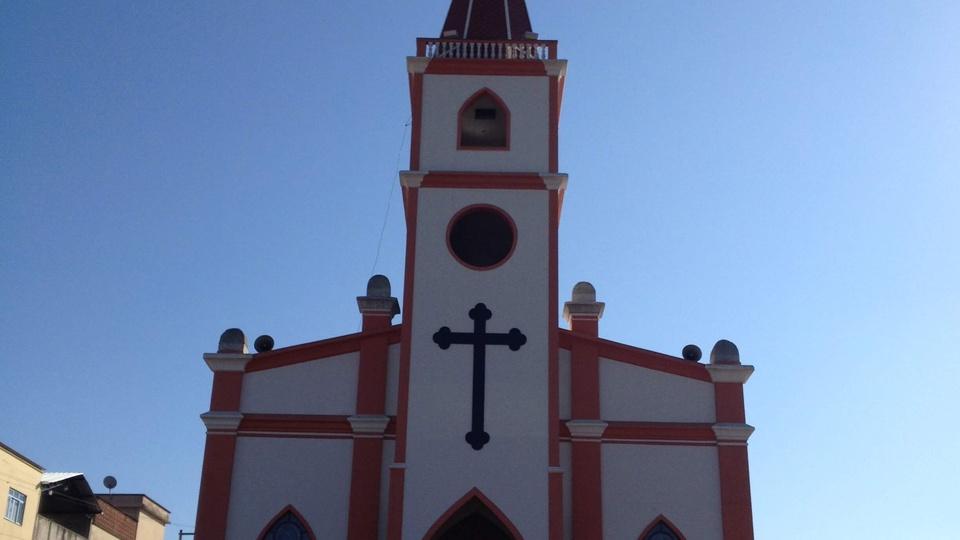 Processo seletivo Prefeitura de Santa Cruz de Minas: a foto mostra a igreja matriz de Santa Cruz de Minas