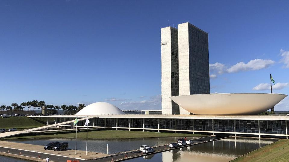 Reforma administrativa pode impactar concursos em andamento: fachada do Congresso Nacional