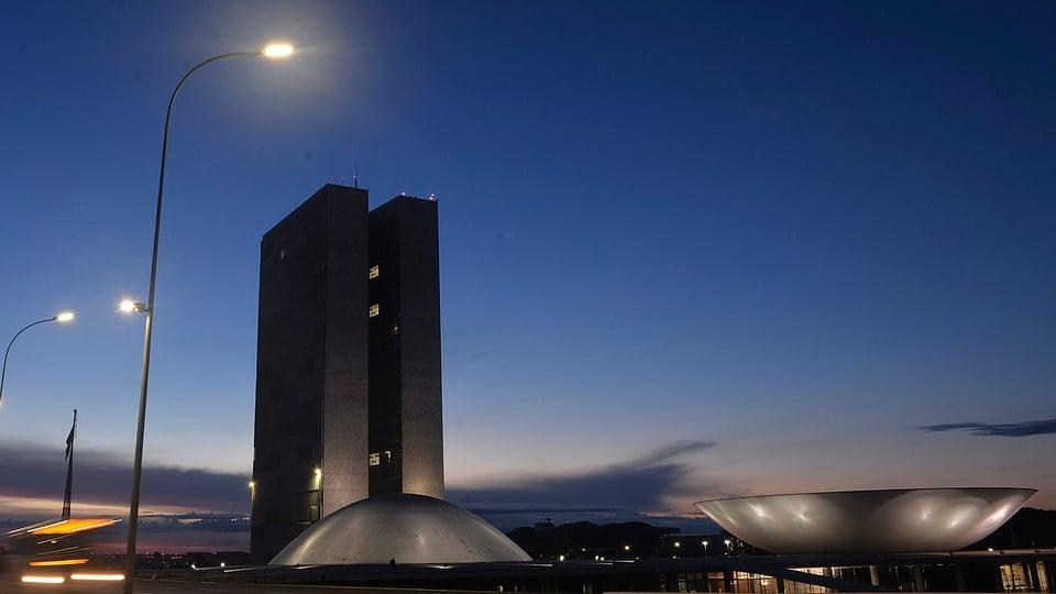 Reforma administrativa: a imagem mostra o Congresso Nacional à noite