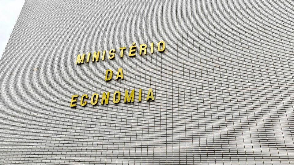 Secretários do governo defendem contratações temporárias: fachada do Ministério da Economia